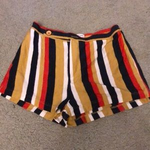 Knot high waisted shorts
